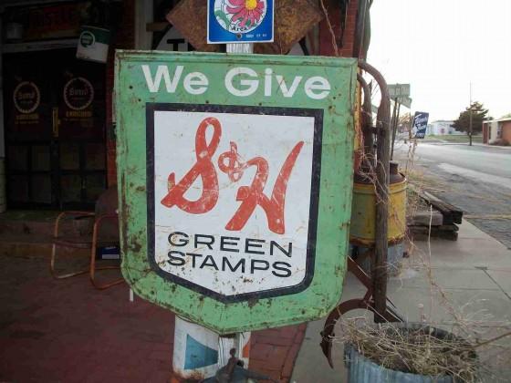 green-by-bikwilliams-catskidsandcrafts-blogspotdotcom-560x420