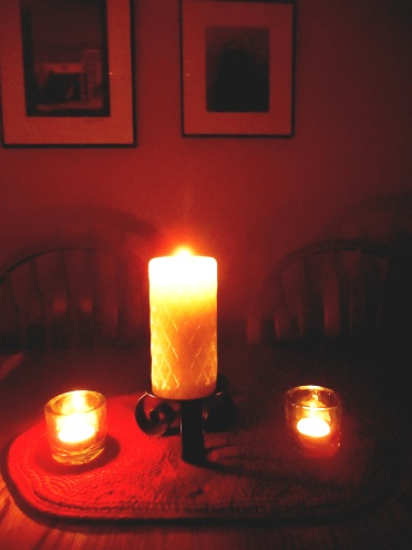 Snow, candlelight 040